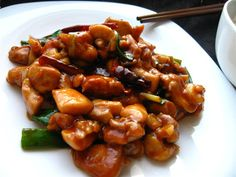 General Tso's Chicken General Tso, Traditional Chinese Food, Oriental, Cooking For Beginners, Asian Recipes, Ethnic Recipes, Kung Pao Chicken, Deli, Stir Fry