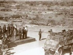 Botha getting the saluut as the guy's are returning from Ops Savanna 27 March 1976 Brothers In Arms, Apartheid, Defence Force, My Heritage, My Land, Cold War, Armed Forces, Middle East, Savannah Chat