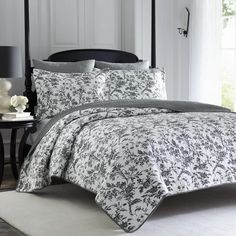 Laura Ashley Reversible Black Floral Cotton Quilt Set - King New. Sleep soundly in the comfort of this quilt set by Laura Ashley. Includes: One Quilt and Two Shams. King Quilt Sets, Queen Quilt, Laura Ashley Amberley Quilt, Quilt Pattern, Coastal Quilts, Laura Ashley Home, Design Apartment, Ruffle Bedding, Toile Bedding