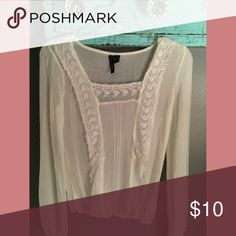 Love this adorable white top//XS/🚫trades Love this adorable white top//XS/🚫trades Tops Tees - Long Sleeve
