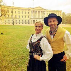 Herrebunad fra Bærum og damebunad Tranum Røer fra Vestfold Folk Costume, Costumes, Hipster, Style, Fashion, Swag, Moda, Stylus, Fancy Dress