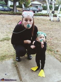 Mama & Baby Scuba Cuties - Halloween Costume Contest at Costume- Sarah: My son and I wore these costumes this past Halloween. I wanted to do something creative for my son's first Halloween so I did some searching online until I came. Family Themed Halloween Costumes, Halloween Costume Contest, Family Costumes, Christmas Costumes, Mama Baby, Baby Kostüm, Primer Halloween, First Halloween, Holidays Halloween