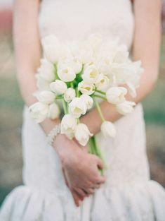 tulip wedding bouquets for white wedding ideas / http://www.himisspuff.com/white-tulip-wedding-ideas-for-spring-weddings/5/