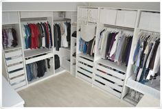 Possibility for corner. Master Closet, Walk In Closet, Ikea Regal, Home And Garden, Home Decor, Future, Lounge Chairs, Decorating Bedrooms, Cloakroom Basin