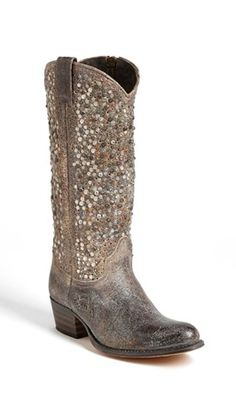 Cowboy boots *and* sparkle Frye 'Deborah' Studded Boot available at Ugg Boots, Bootie Boots, Shoe Boots, Cute Shoes, Me Too Shoes, Mode Country, Country Boots, Country Style, Looks Dark