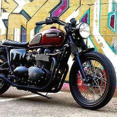Triumph Bonneville Brat Style #motorcycles #bratstyle #motos | caferacerpasion.com