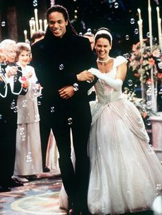 Saw this on the soap opera All My Children. It was a beautiful Cinderella theme wedding.
