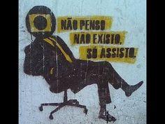 Além do Cidadão Kane é um documentário produzido pela BBC de Londres - proibido no Brasil desde a estréia, em 1993, por decisão judicial - que trata das rela...