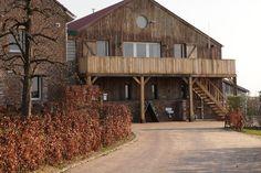 Accommodaties Zuid-Limburg | Landgoed Moerslag Flatscreen, Nespresso, Loft, Cabin, House Styles, Home Decor, Decoration Home, Room Decor, Cabins