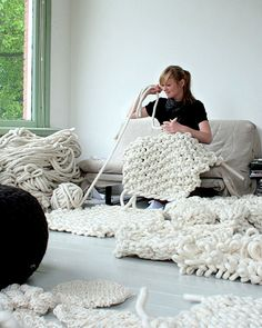 These bulky bits 'n' pieces. | 21 Gigantic Knitted Things You'd Love To Cuddle Up With