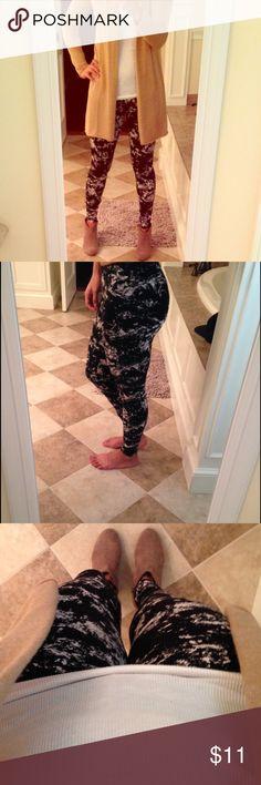 H&M leggings Black and Tan, never worn. H&M Pants Leggings