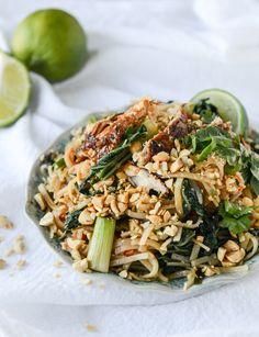 thai chicken street noodles I howsweeteats.com