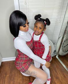 Mommy And Baby Pictures, Mommy Daughter Pictures, Mom And Daughter Matching, Mother Daughter Outfits, Mom Daughter, Daughters, Cute Little Girls Outfits, Mommy And Me Outfits, Kids Outfits Girls