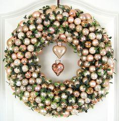 Türkranz Weihnachten Weihnachtskranz 33cm gold creme Kugelkranz Kranz Kugeln