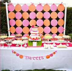 pink and orange party, are those balloons or circles? Orange Party, Orange And Pink Wedding, Yellow, Blue Wedding, Dessert Bars, Buffet Dessert, Dessert Tables, Party Kulissen, Candy Buffet