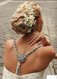 Elegant Wedding Bridal Wavy Updo with Flowers for Long Hair Gorgeous ♥ Open Back Wedding Dress