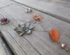 Vintage Victorian Lucite and Metal Flower Necklace