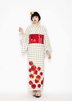 Apples! I love the way the realistic apples are rendered on this matching yukata and obi as if they are tumbling across a tablecloth. The pa...