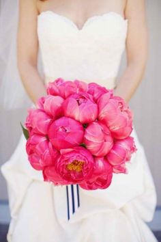 wedding fuchsia bouquet