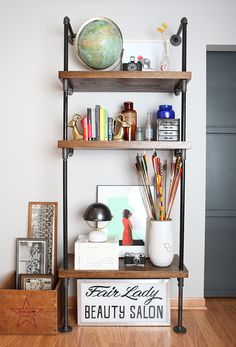 DIY: pipe shelf