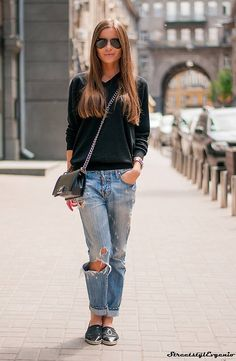 Lovely Casual Outfit  #Fashion Spring #Cute Women Outfit #Casual Combination #Dark Grey #V-neck #Sweater #Steel Chain Crossbody #Destroyed Boyfriend Jeans #Chanel Flats