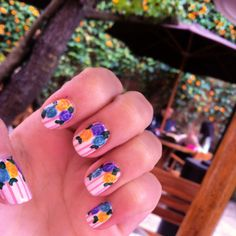 Vintage roses colors stripped nails pink blue yellow nail art