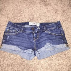 HOLLISTER SHORTS Like new! Too small for me! Size 3, 26 waist Hollister Shorts Jean Shorts