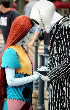 Jack and Sally - Nightmare Before Christmas Disney Dream, Disney Love, Disney Magic, Disney Parks, Disney Pixar, Walt Disney, Nightmare Before Christmas Costume, Jack Skellington Costume, Sally Costume