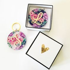 Check out the deal on Floral Monogram Keychains at Wedding Favorites | Unique Wedding Favors | Baby Shower Favors | Bridal Shower Favors