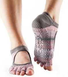 ToeSox Full Toe Bella Grip Socks are the ultimate workout accessory for Pilates & Barre. Barre Socks, Yoga Socks, Pilates Barre, Grip Socks, Yoga Headband, Yoga Dance, Liner Socks, Workout Accessories, Organic Cotton