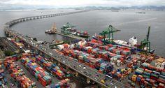 Jornal GGN - Em 2016, a balança comercial brasileira teve um superávit de US$ 47,692 bilhões, o maior registrado na série histórica, que teve início em 1980. No total, foram US$ 185,244 bilhões em exportações e US$ 137,552 bilhões em importações.  No ano de 2015, o superávit foi de US$ 19,685 bilhões.