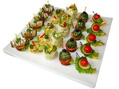 """1710 (рулетики из баклажана с острым творожным кремом, корзиночки с салатом """"Овощной росол"""", лаваш с овощами, сырные шарики в зелени на гренке, """"овощной кораблик"""""""