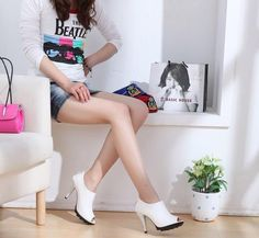 Stylish Heels Footwear Winter Collection for Young Girls.Like to marriage repair clothes, wedding footwear, furthermore to a large stage in creating her nat