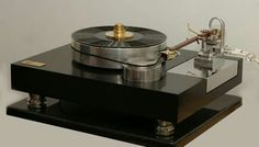 Andante Turntable with Andante Con Brio tonearm by CConceptS
