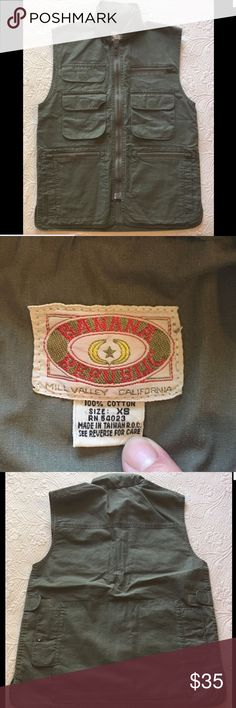 BANANA REPUBLIC Mens Vtg Hunting Safari Vest XS 100% cotton.  Lots of pockets and nice tuck-away hood.  All fasteners intact and in excellent condition. Banana Republic Other