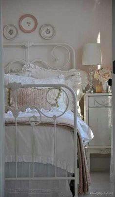 Boudoir:  Shabby Chic #bedroom.