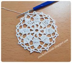 Crochet Heklanje: Mali okrugli motiv za salvete i stolnjake - Moj ra... Crochet Motif, Easy Crochet, Crochet For Beginners, Crochet Earrings, Squares, Jewelry, Youtube, Trapper Keeper, Jewlery