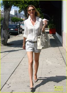 Street style: Ellen Pompeo shorts and shirt