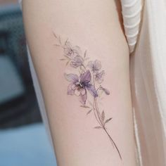 Flower Tattoo by 타투이스트. 타투이스트 꽃 artist works on women's tattoos and works exclusively for women. Continue Reading and for more Flower Tattoo designs → View Website M Tattoos, Cute Tattoos, Body Art Tattoos, Small Tattoos, Tattoos To Cover Scars, Cover Tattoo, Pretty Tattoos, Beautiful Tattoos, Flower Tattoo Designs