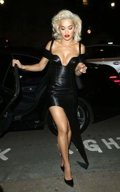 Rita Ora in a leather dress Rita Ora Black, Mercedes Benz, Halloween Ball, Star Girl, Leather Dresses, Oras, Beautiful Legs, Sexy Legs, Elegant