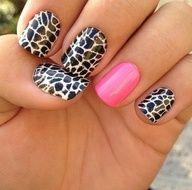 Giraffe Nails w/ pinkk