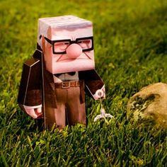 Papercraft4u | Free Papercrafts, Paper Toys, Paper Models, Gratis: Papercraft - Disney Pixar UP Carl 3D Character
