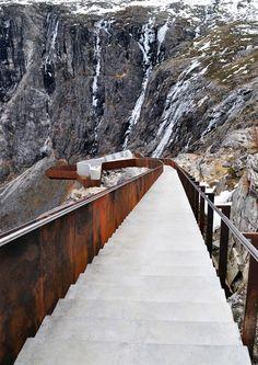 Trollistingen National Tourist Route, Møre and Romsdal, 2004