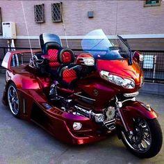 Custom Choppers, Custom Bikes, Goldwing Trike, Harley Davidson Cake, Honda, Custom Paint Motorcycle, Can Am Spyder, Trike Motorcycle, Touring Bike