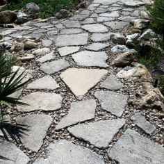 Paving Stone Patio Diy Pathways Ideas For 2020 Paving Stone Patio, Concrete Walkway, Cement Patio, Gravel Patio, Brick Patios, Concrete Garden, Concrete Bricks, Brick Garden, Diy Concrete