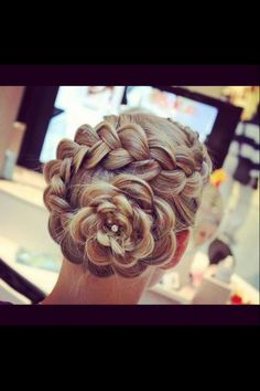 Flower braid. Prom hairstyle??