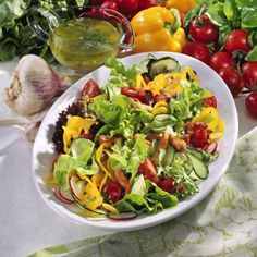 Frischer Sommersalat mit Putenstreifen Rezept