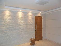 Iluminação para o revestimento branco da cozinha Ceiling Design Living Room, False Ceiling Design, Ceiling Decor, Interior Design Living Room, Living Room Designs, Living Room Decor, Interior Decorating, Wall Design, House Design