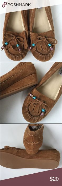 Steve Madden Moccasins NWOT, in excellent condition and have never been worn! Beads are gorgeous. Shoes are size 9 but can easily be worn by sizes 7-8. Steve Madden Shoes Moccasins