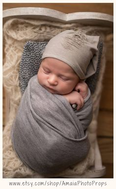 Gray swaddle wrap newborn boy photo props Looking for premium quality wraps? Click through and check all available colors of our super soft & stretchy newborn wraps. Newborn Baby Photos, Newborn Posing, Newborn Pictures, Boy Newborn, Fall Newborn Photography, Girl Photography, Swaddle Wrap, Baby Wraps, Boy Photos